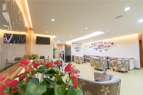 杭州艺星医疗美容医院五楼候诊区