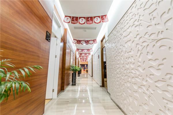 杭州艺星医疗美容医院医院过道